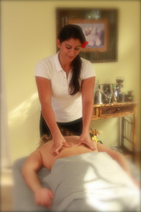 woman gets relaxing massage